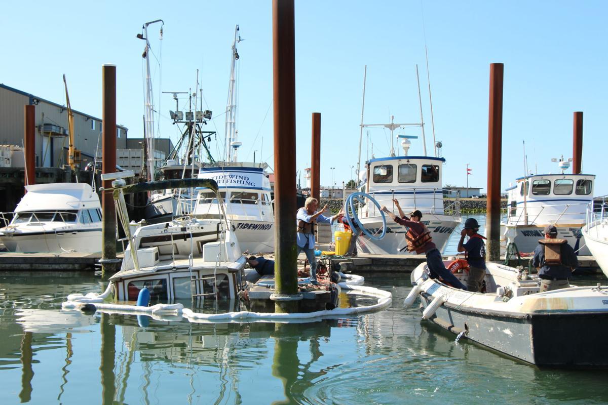 Boat Sinking PHOTO 1.JPG