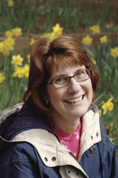 Linda Louise Zia