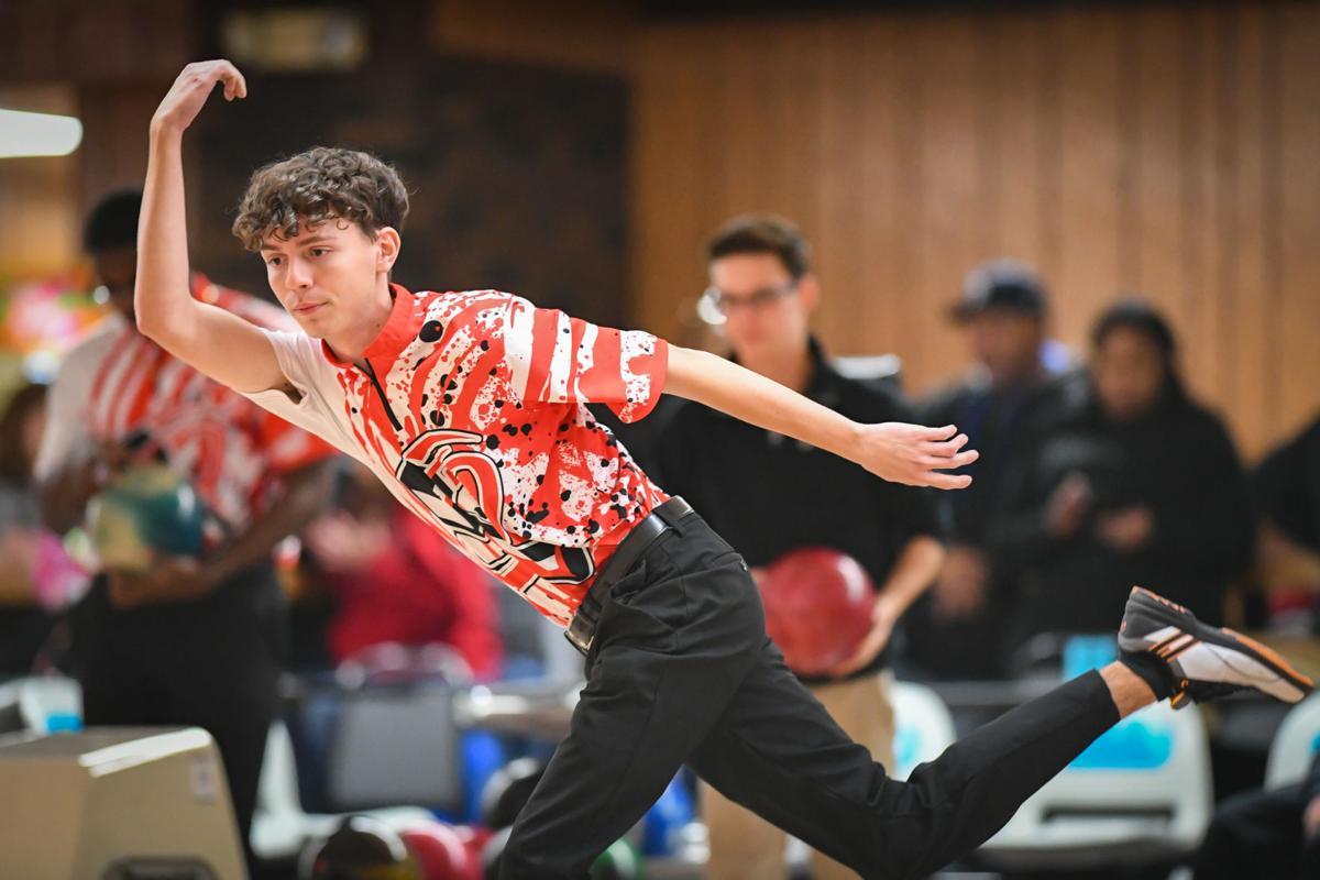 Bradley-Bourbonnais hosts Bishop McNamara bowling