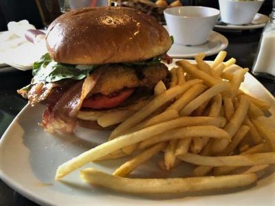 Chicken sandwich at Hoppy Pig