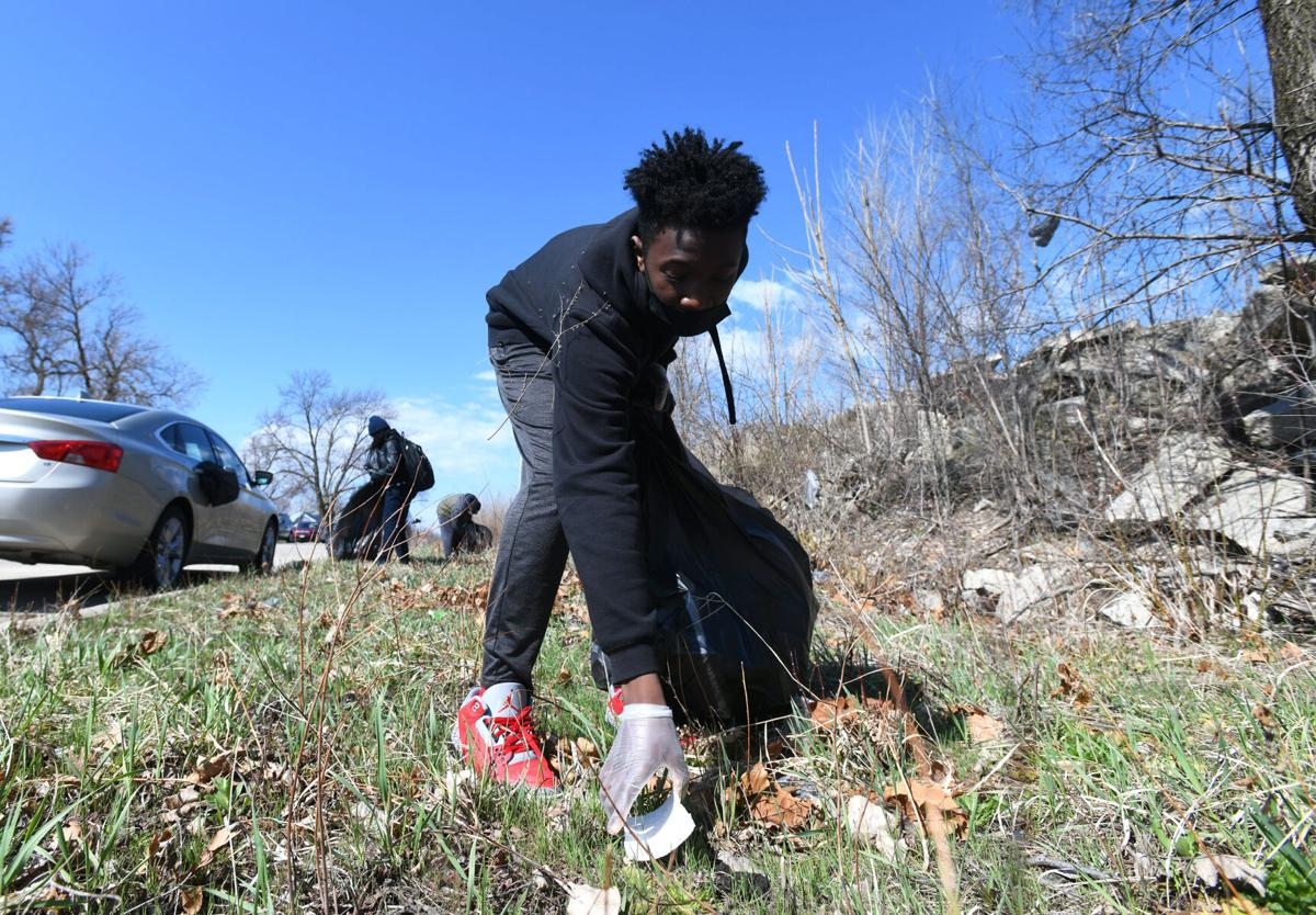 Volunteers pitch in for Community Cleanup day