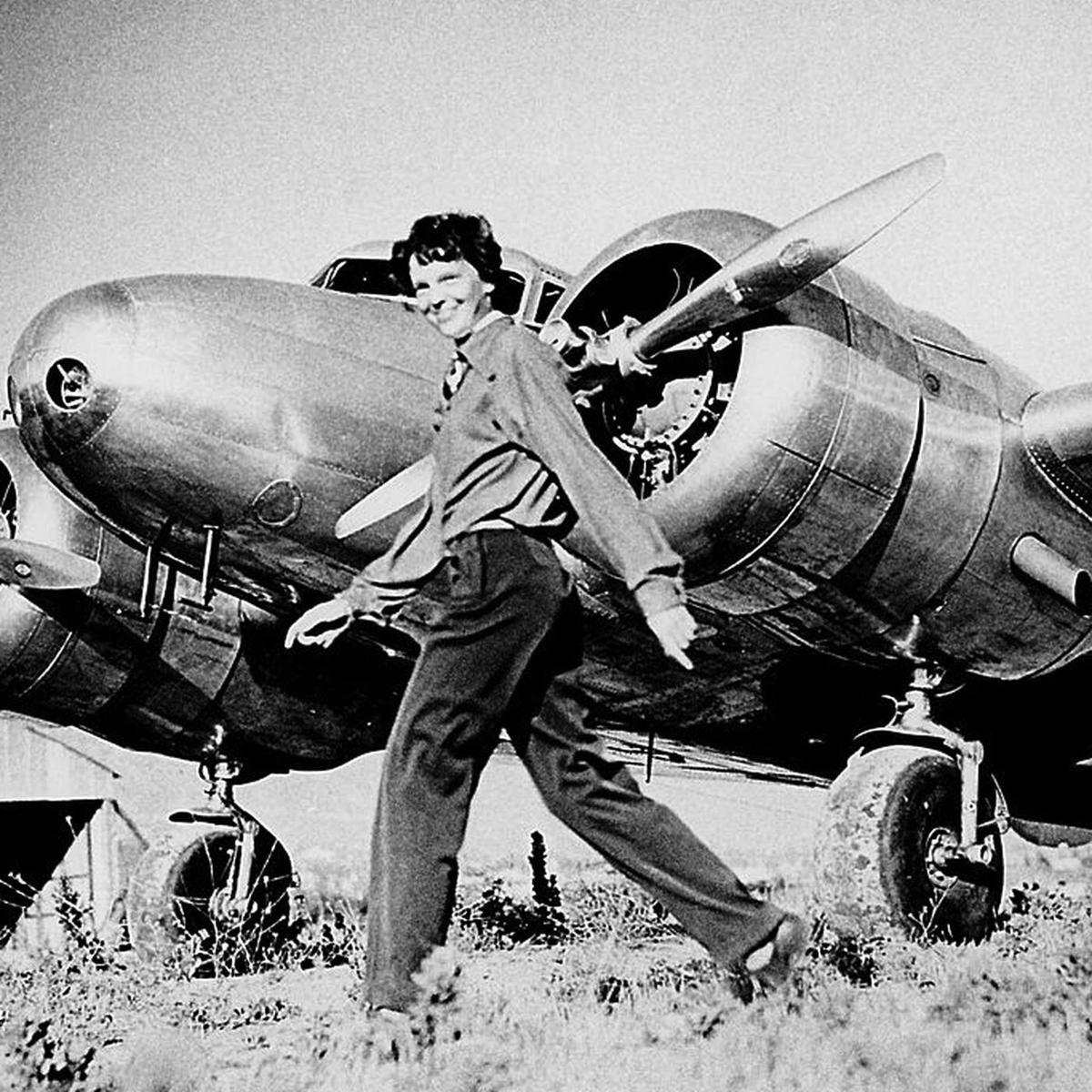 Earhart and plane