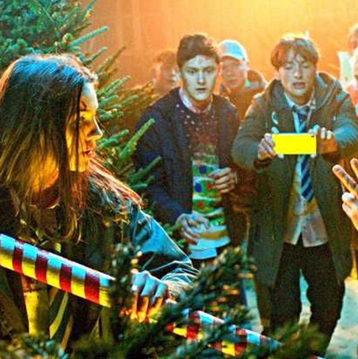 Zombie Christmas Musical.Review Just In Time For Christmas A Zombie Holiday Musical