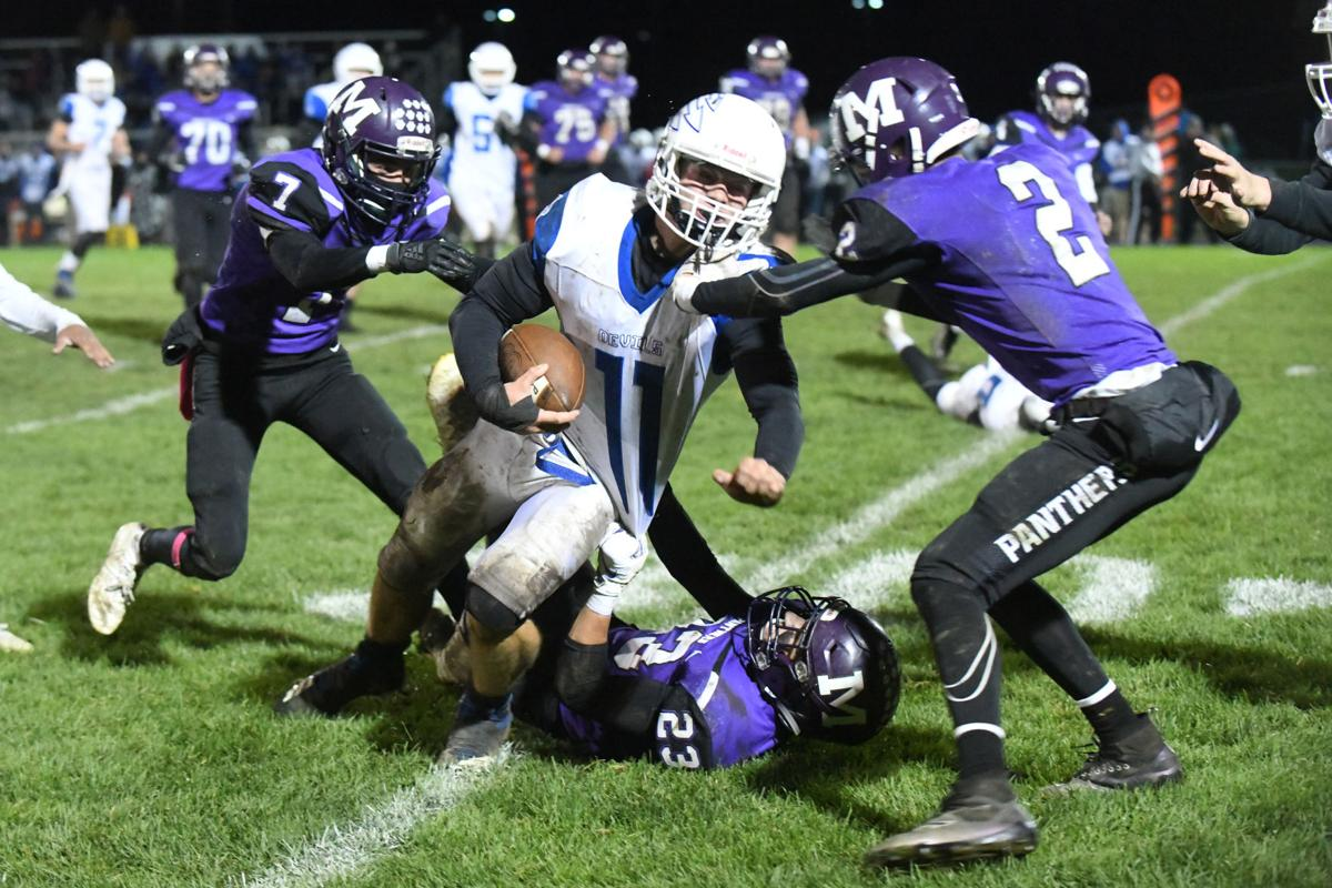 Football: Manteno vs Peotone