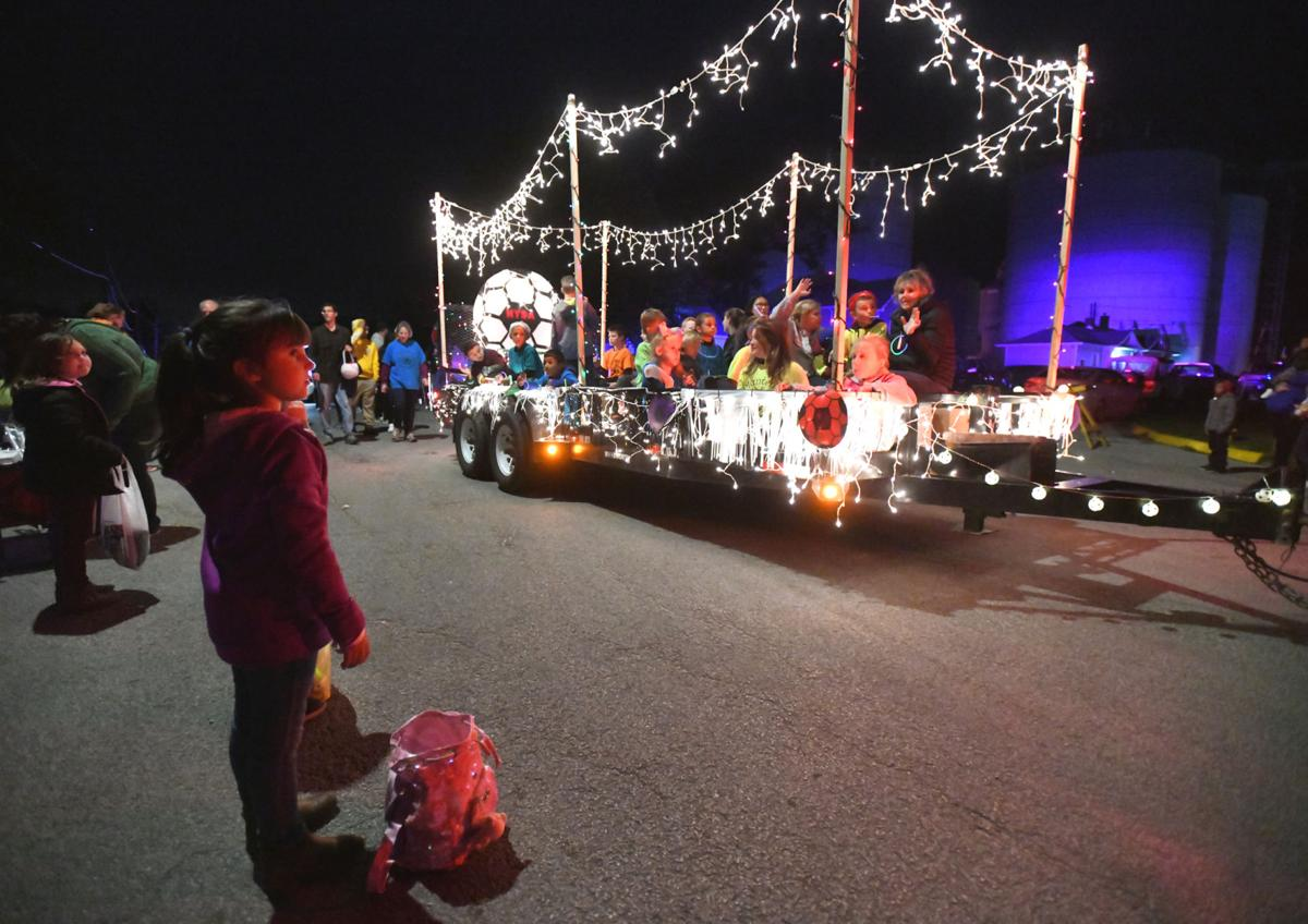 Manteno Oktoberfest lighted parade