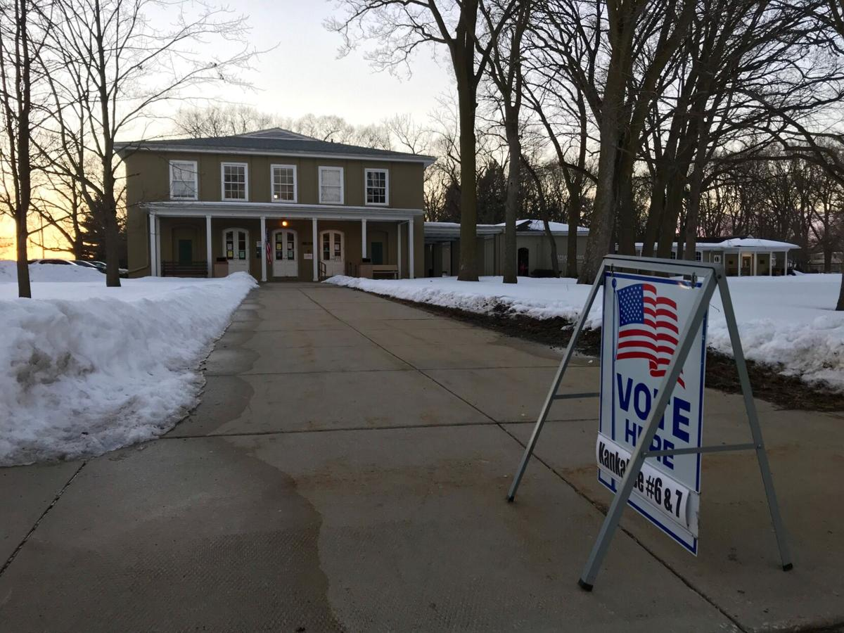 Poll nears closing time at Civic Auditorium