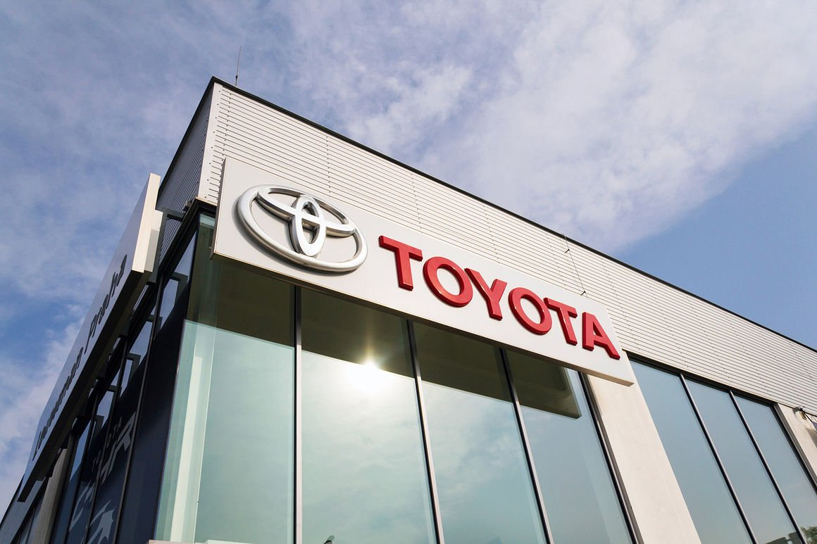 Auto sales were strong in October as buyers grabbed fully loaded ...