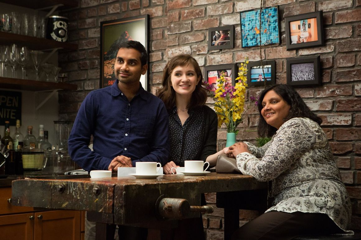 master of none returns with pasta dating apps and new york city entertainment daily. Black Bedroom Furniture Sets. Home Design Ideas