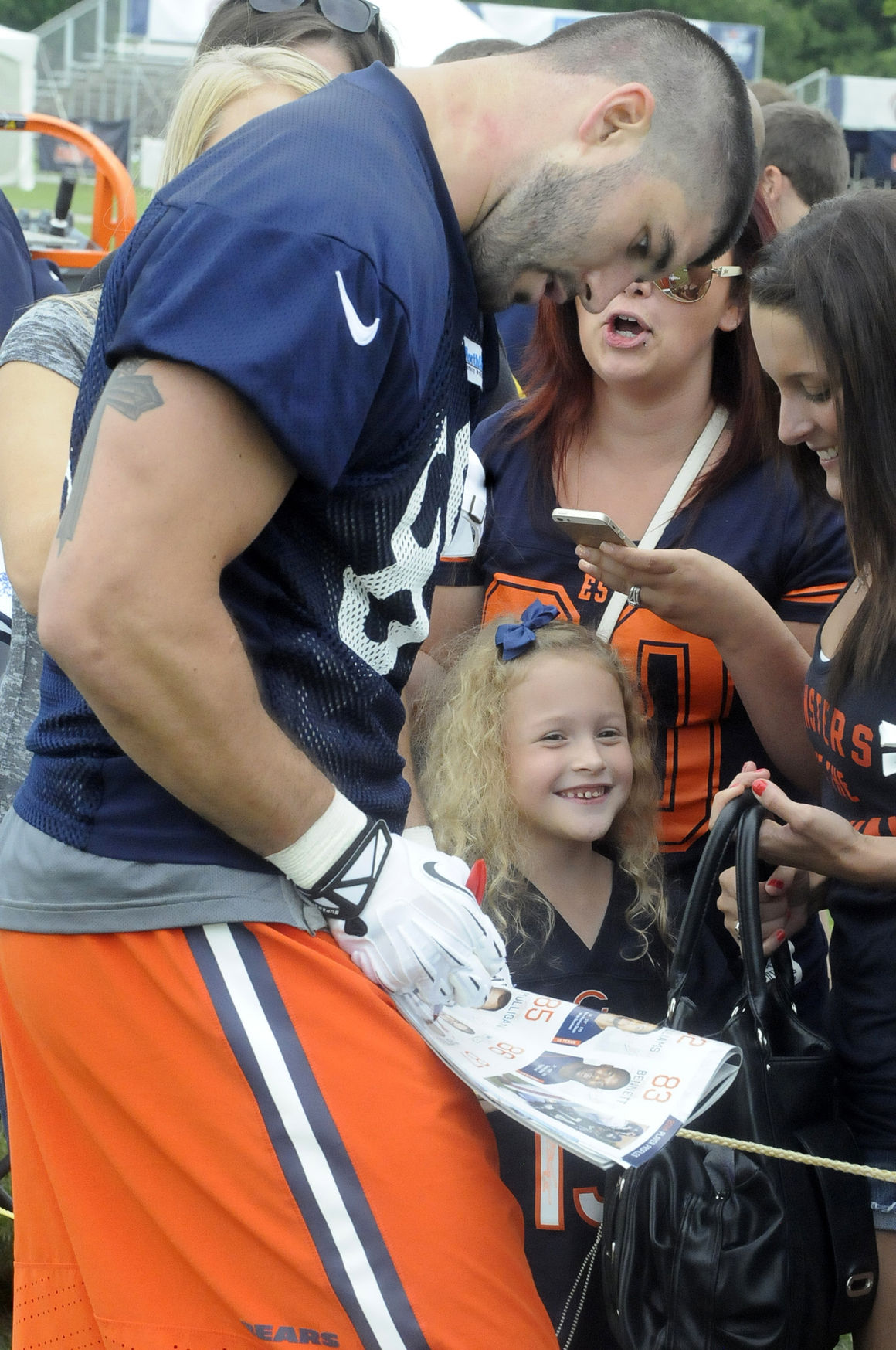 Chicago bears signing autographs quotes about happiness
