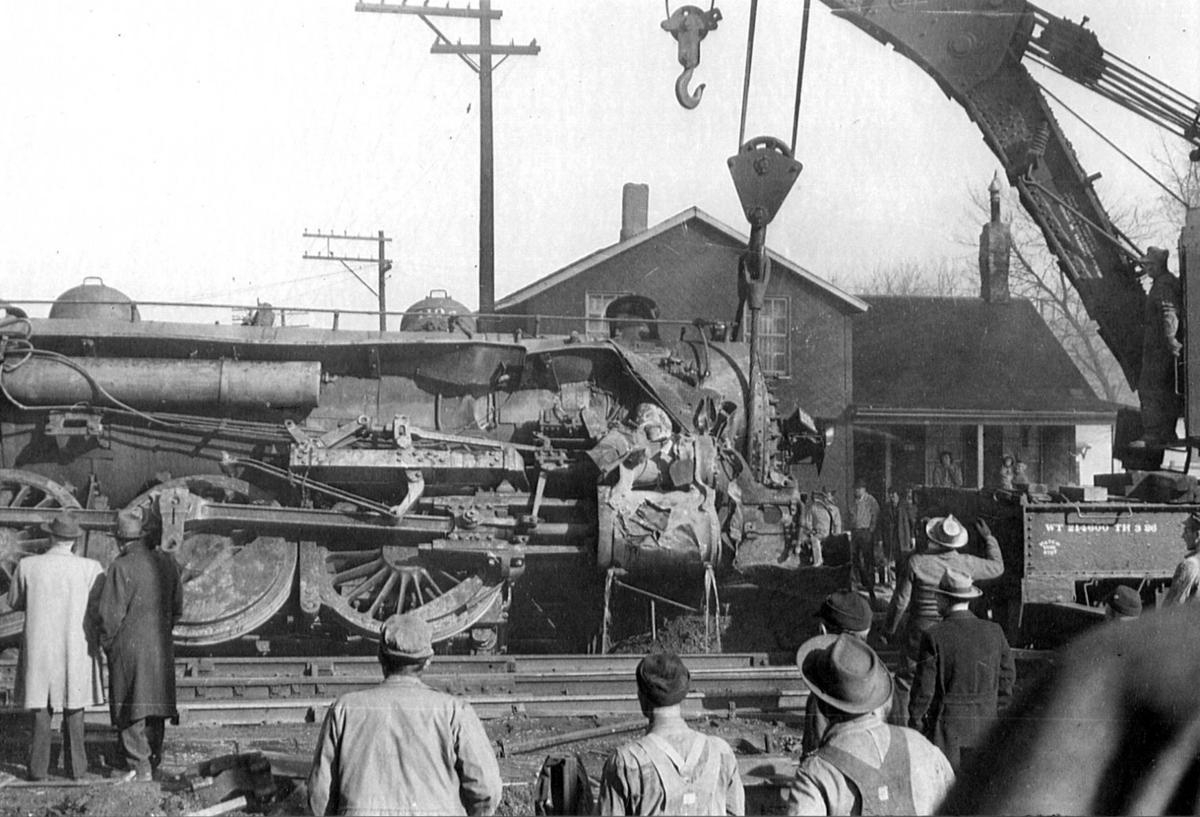 Hoisting train