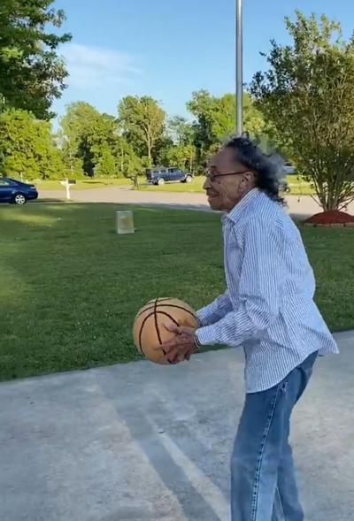 051920_eda_gramdmother_basketball
