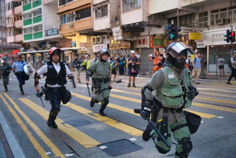 Hong Kong Police crack down on protesters