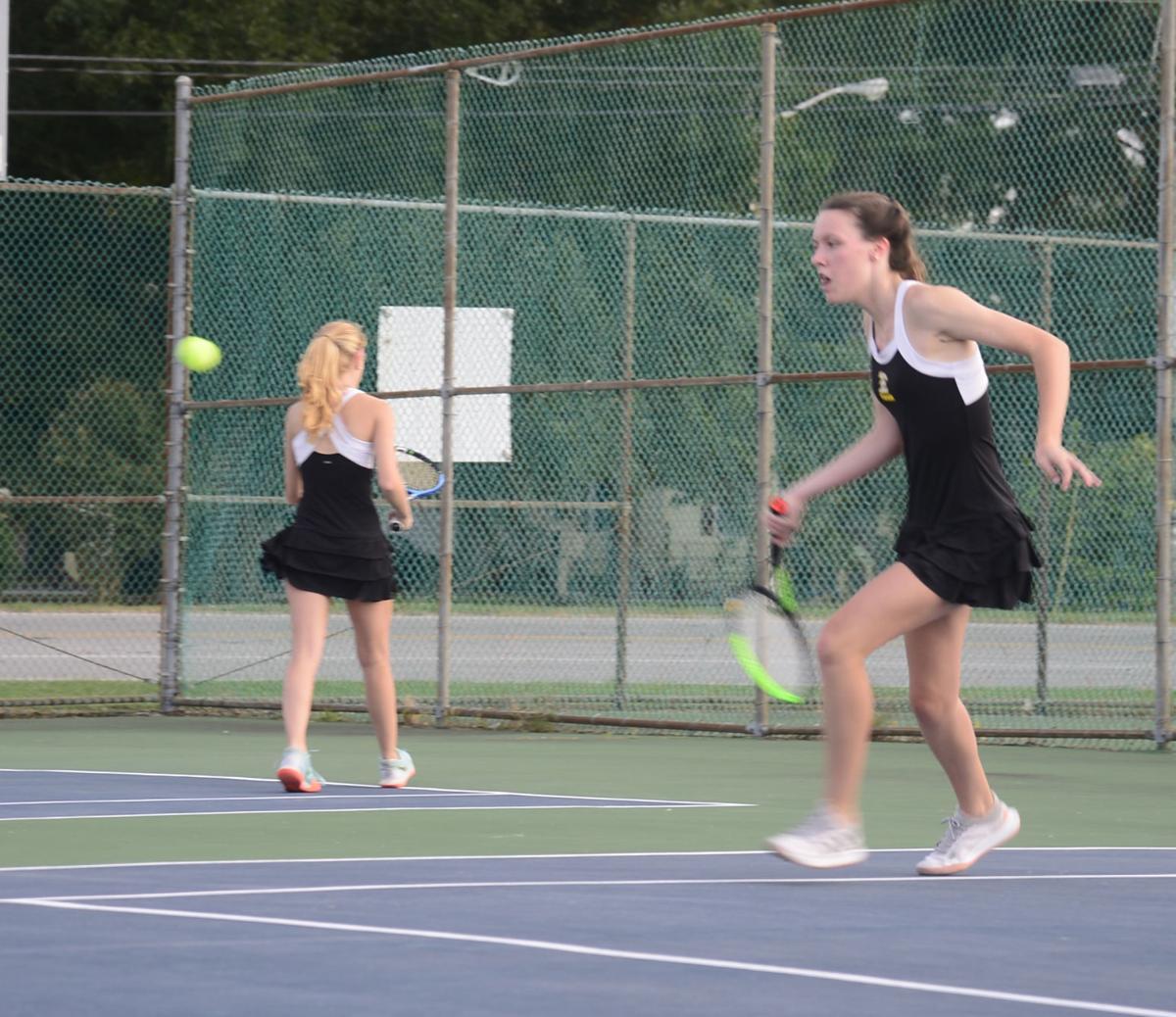 100621_eda_tennis_girls_holmes_ellie_spear_northeastern