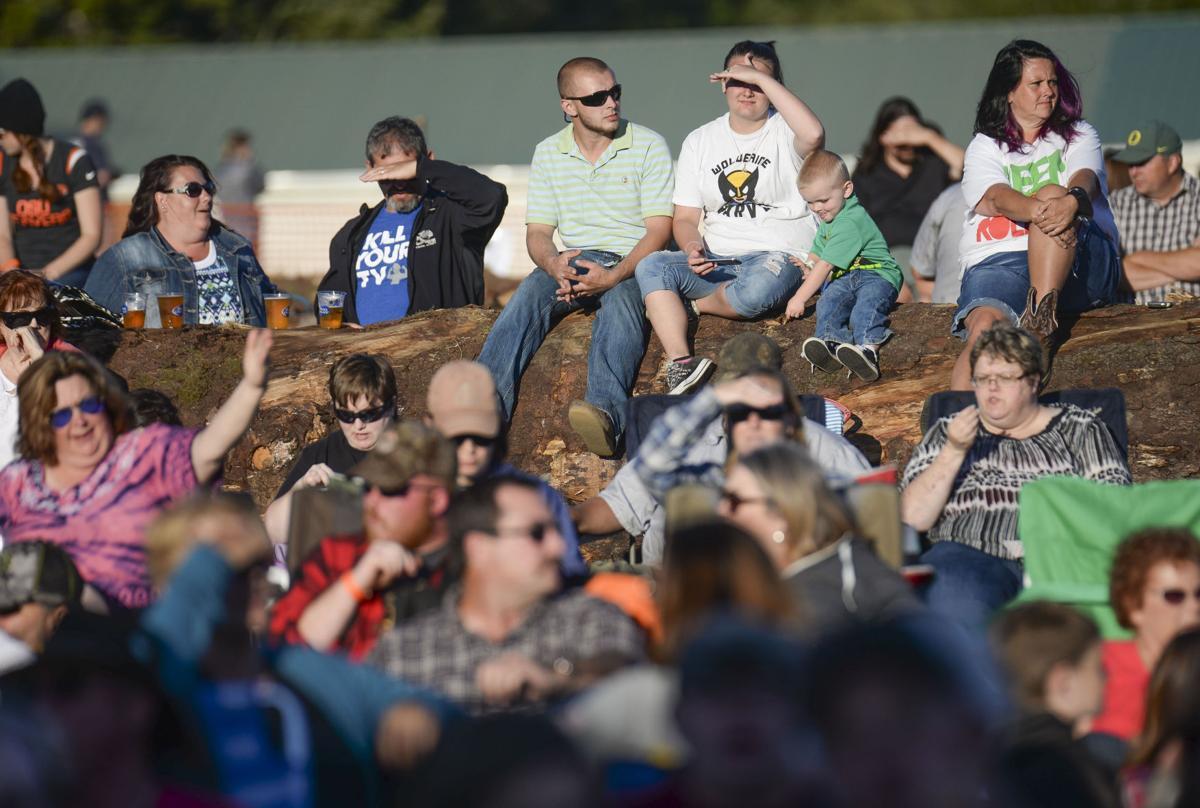Country star Morgan rocks Clatsop County Fair