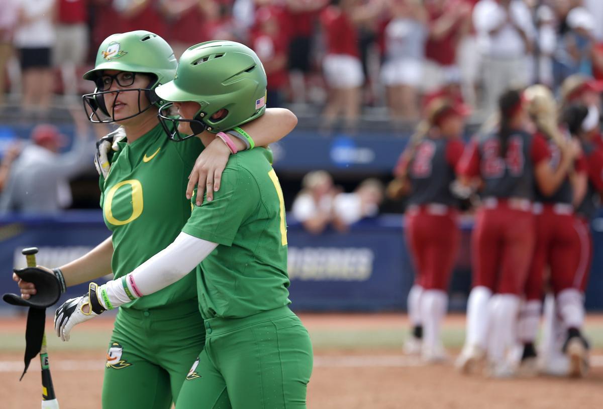 Oklahoma beats Oregon 4-2 to reach softball title series