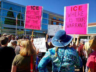 Civil liberties activists want to block ICE from courthouses
