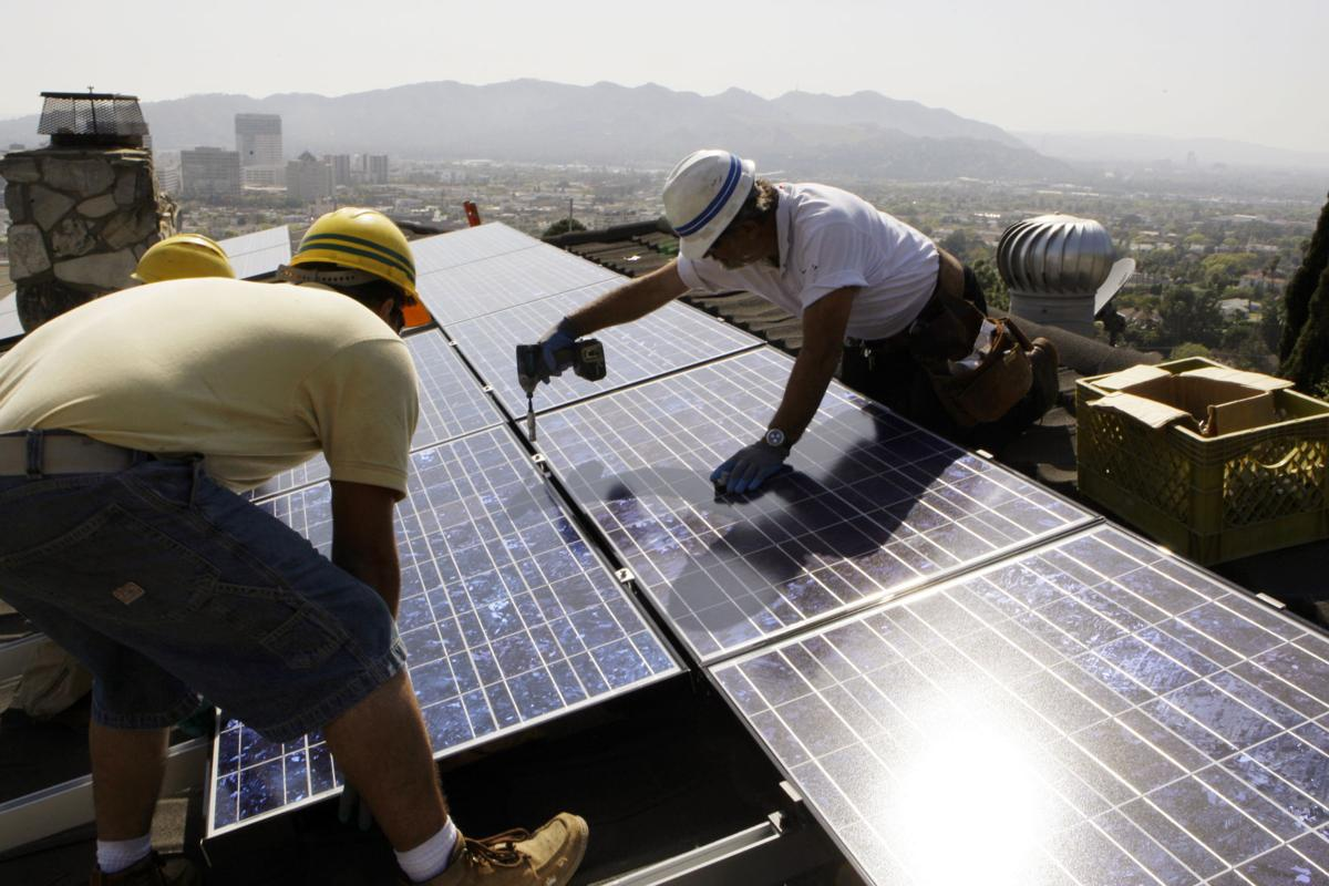 95884d7a3 Will ban on fossil fuel energy by 2045 devastate California's economy?