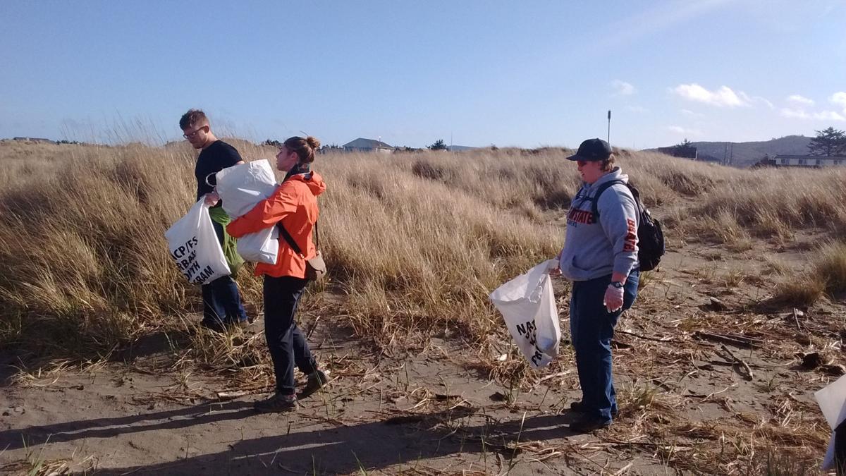Volunteers clean up at the beach