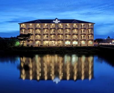 Newest hotel celebrates