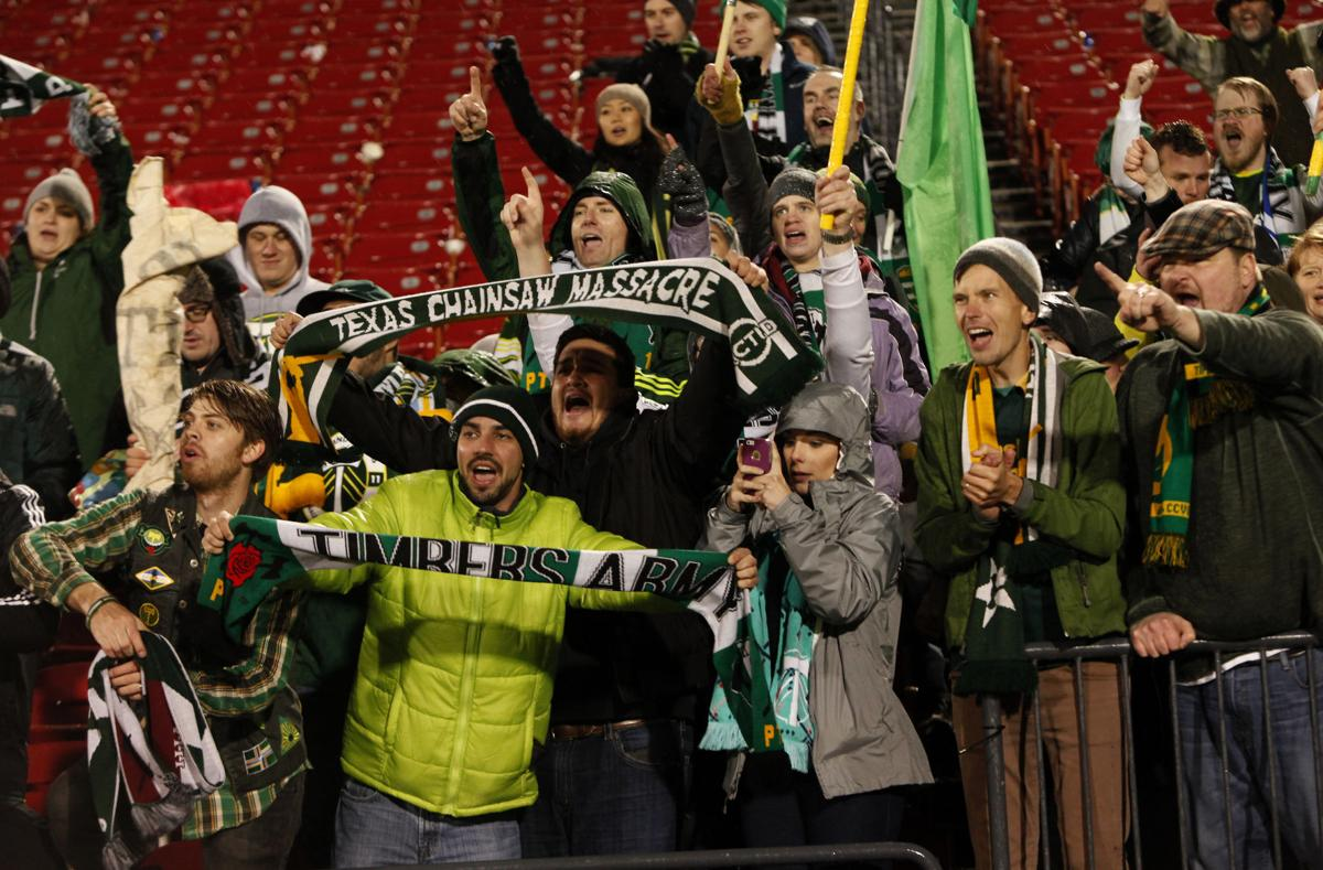 Timbers tie FC Dallas 2-2 to advance to MLS Cup