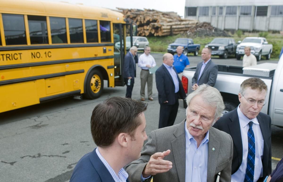 Down to business: Kitzhaber on the coast