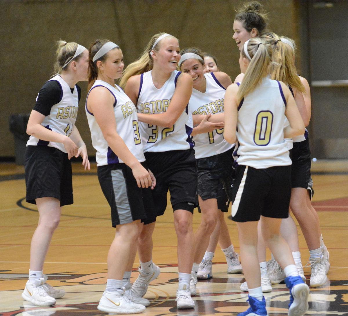 Astoria girls basketball team