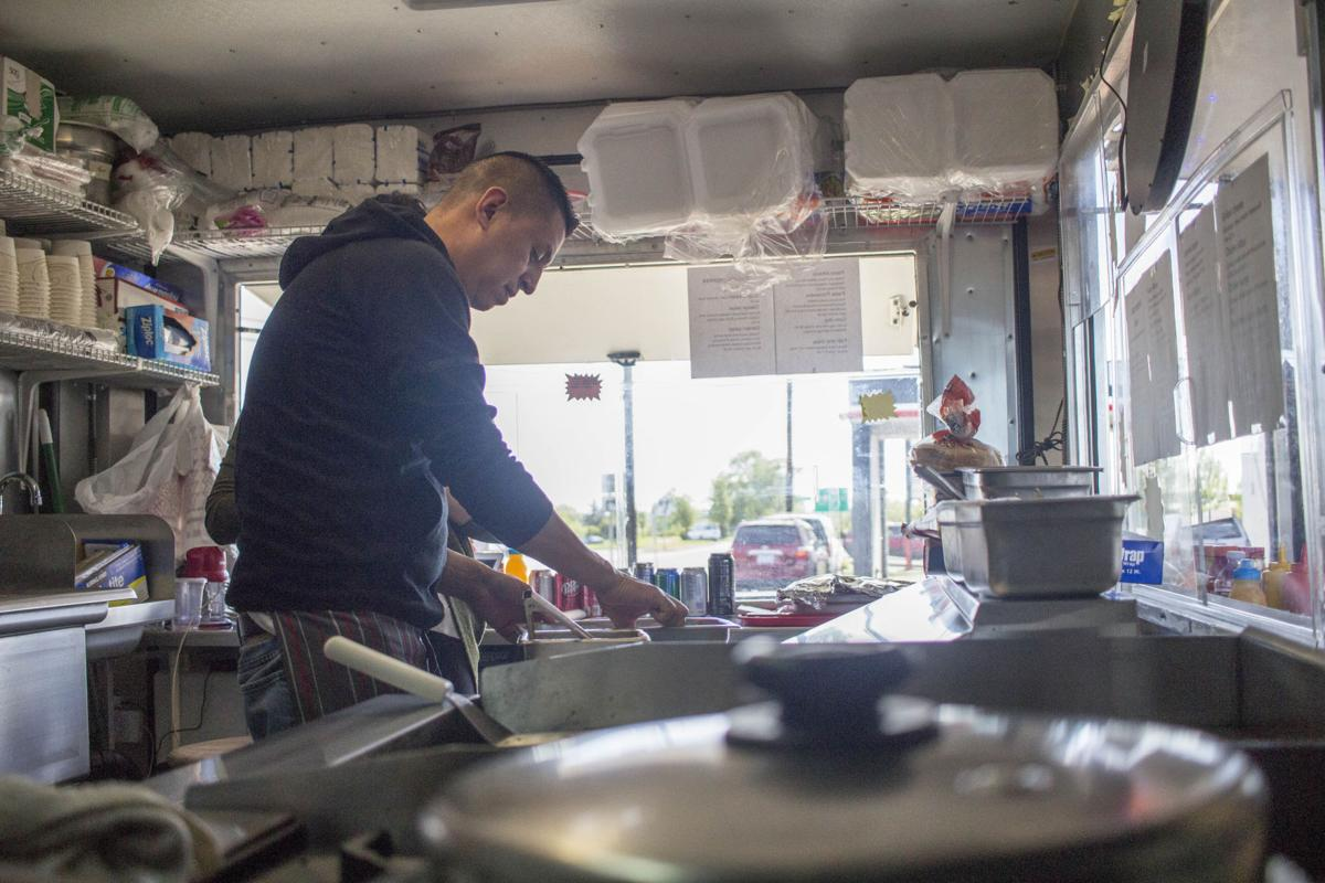 Seaside couple looks to Astoria for food cart