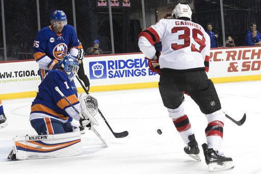 798513e8e09 Greiss stops 35 shots, Islanders blank Devils 3-0 | National ...