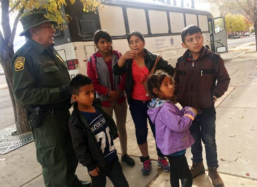 Supplies low for shelters helping migrants as holidays near