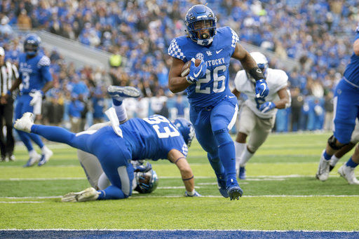 No. 17 Kentucky tries to reach 9 wins for 1st time since '77