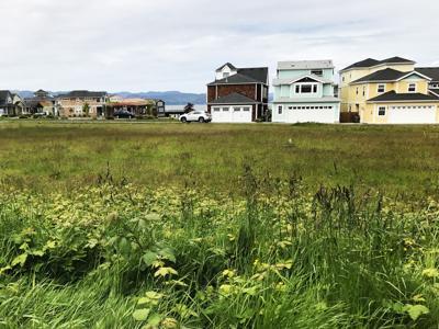 Astoria Co-op, neighbors reach compromise