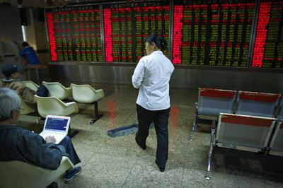 Asian markets mixed as US businesses caution against tariffs