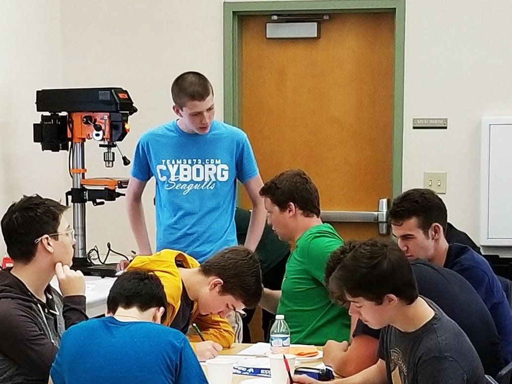 Astoria High School aiming to launch robotics team