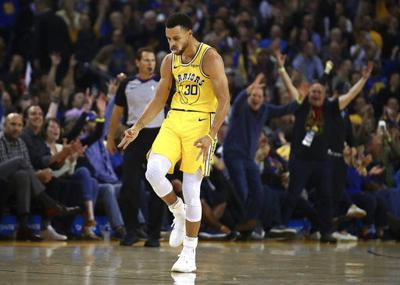 Stephen Curry scores 51 points with 11 3s as Warriors win