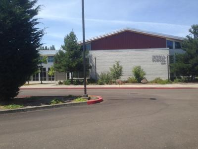 Jewell accepts grant to open health center