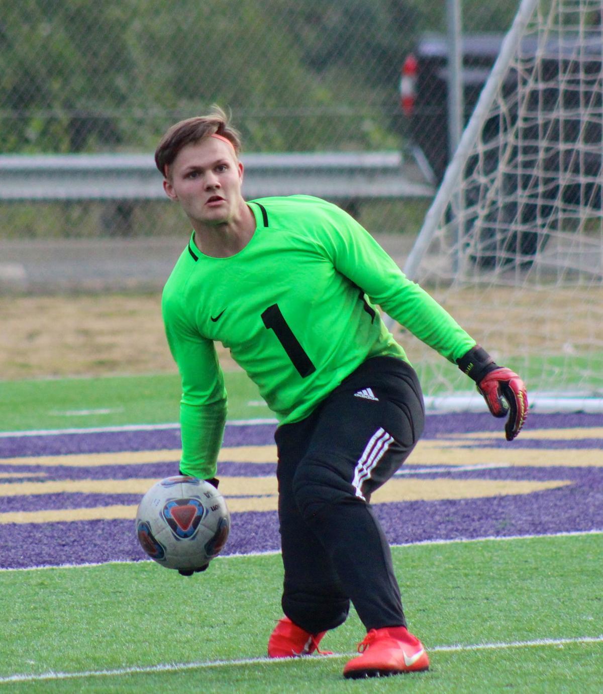 Dylan Altheide-Nielson, Astoria soccer