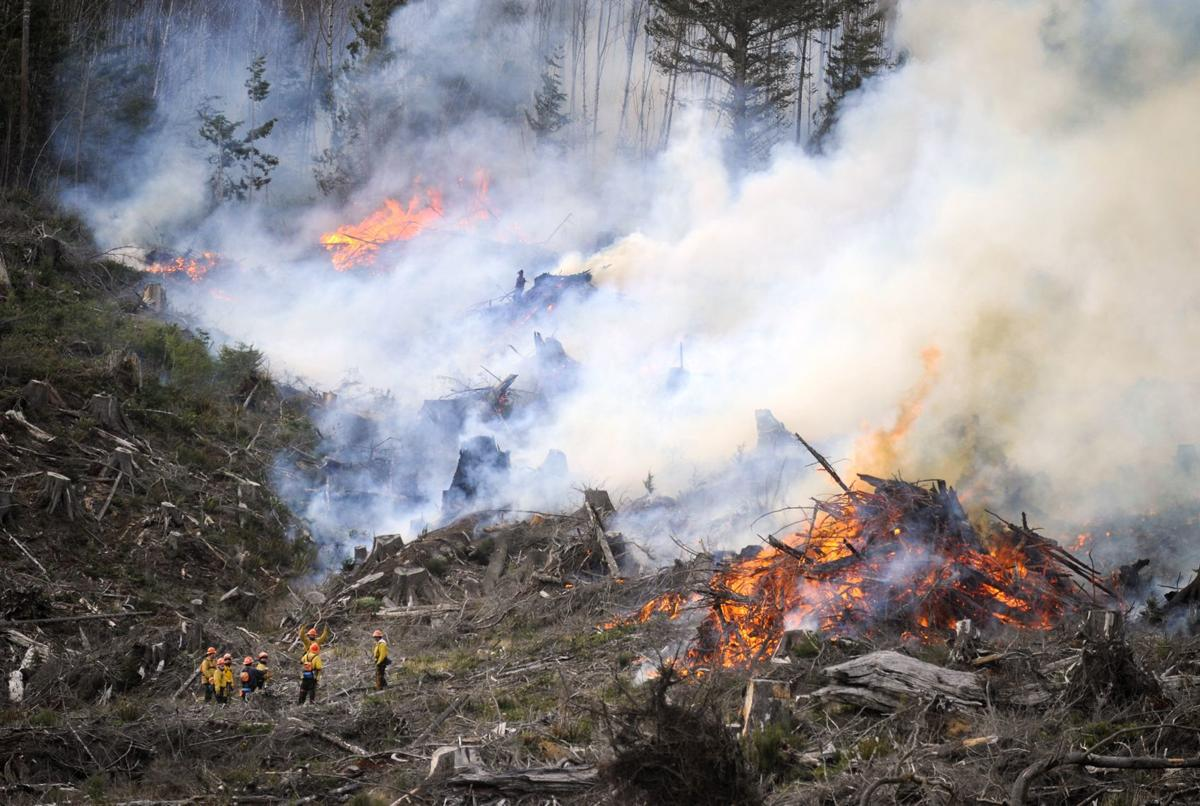 Arch Cape fires grow to 100 acres