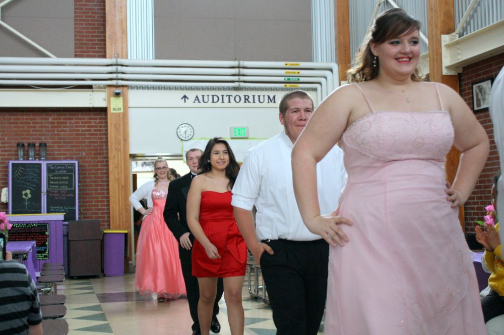 Students show style to support clothing cause