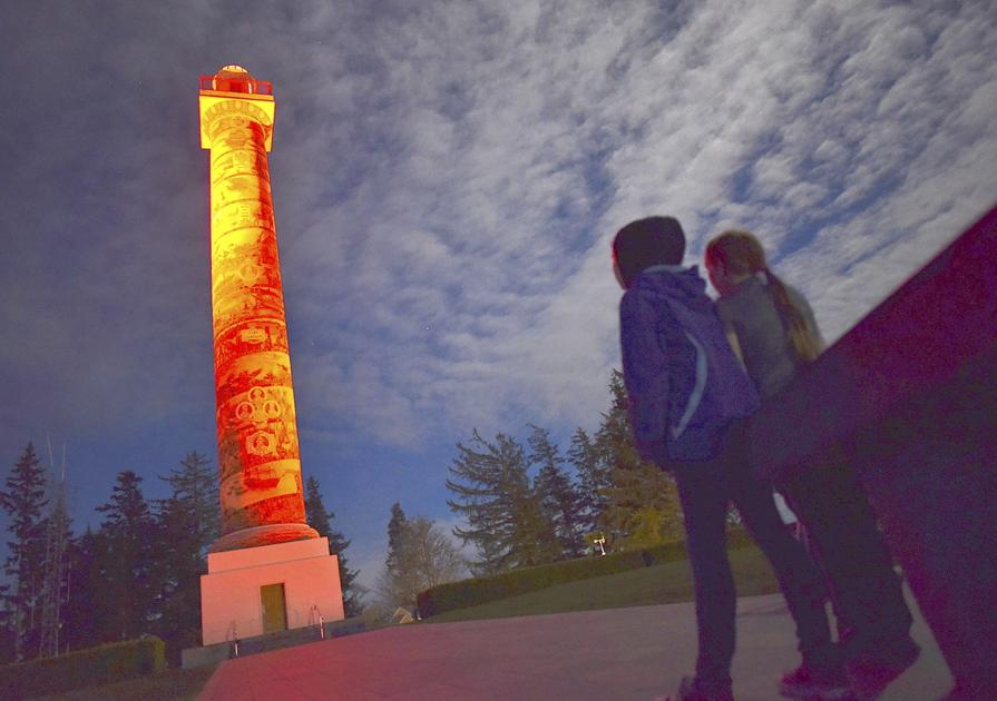 New lighting system on display at Astoria Column