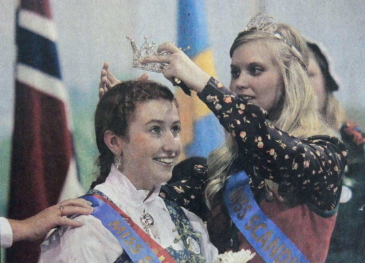 queen crowning 2010