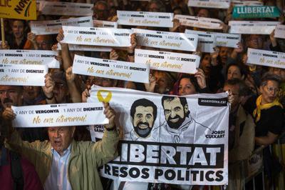 Spain pressured to free imprisoned Catalan activists