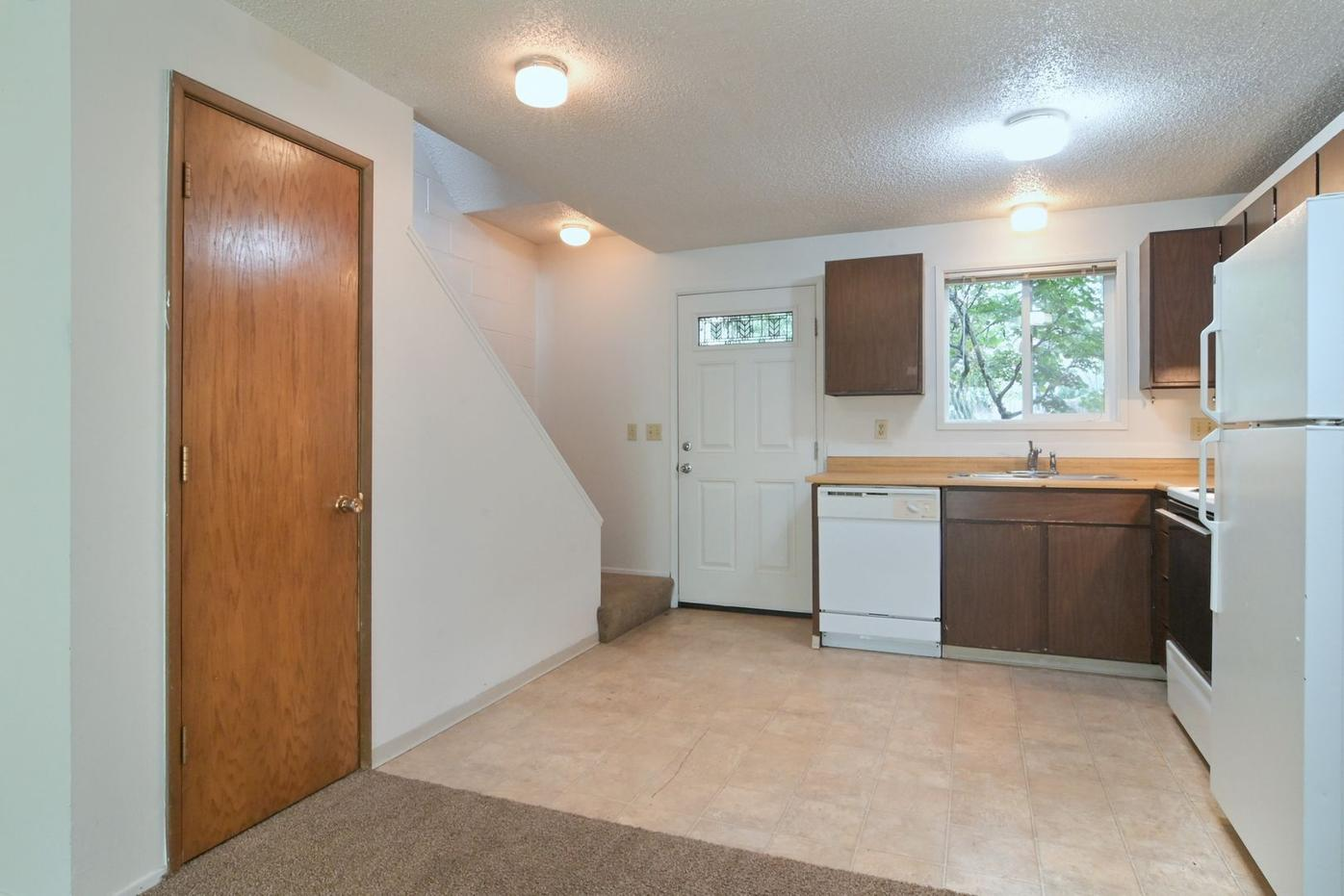 Newly Remodeled 2BR/1BA Unit!