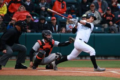 Oregon baseball defeats UC Riverside 10-6 in nonconference road matchup