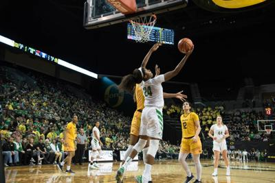 Oregon owns the paint in win over No. 25 Cal