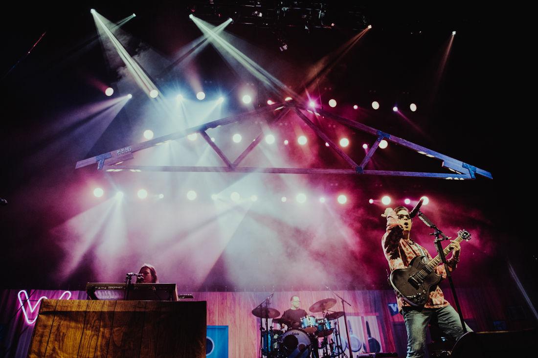 2019.04.05.EMG.SEN.Basement.Weezer.Pixies-12.jpg