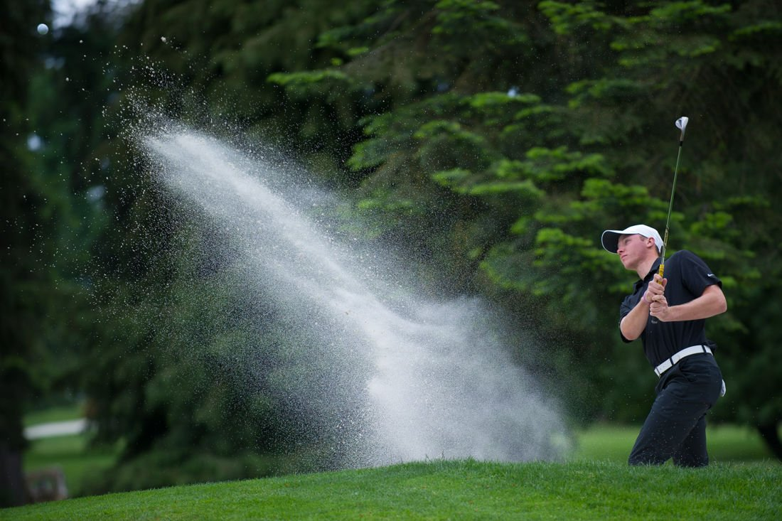 Photos: The Oregon Ducks play in the first round of the NCAA Championships