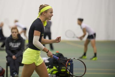 Oregon women's tennis caps off successful weekend with 4-0 victory over Houston
