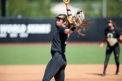 Megan Kleist allows one hit as Oregon wins second game of Eugene Regional