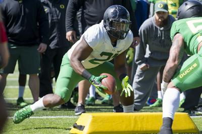 With Freeman forgoing the NFL, Oregon football strives forward