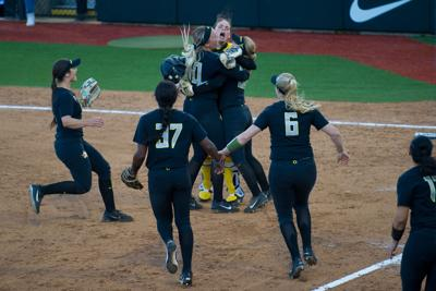 Oregon softball earns ticket to Women's College World Series with 11-1 win over Kentucky